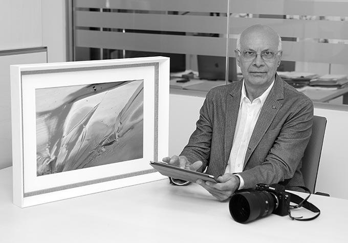 Eugenio Tocchet autore dei quadri moderni e astratti su tela in vendita online su questo sito