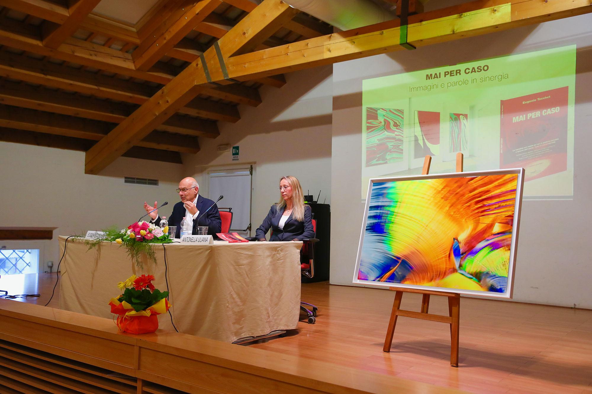 Presentazione quadri moderni e quadri astratti su tela di Eugenio Tocchet - interventi