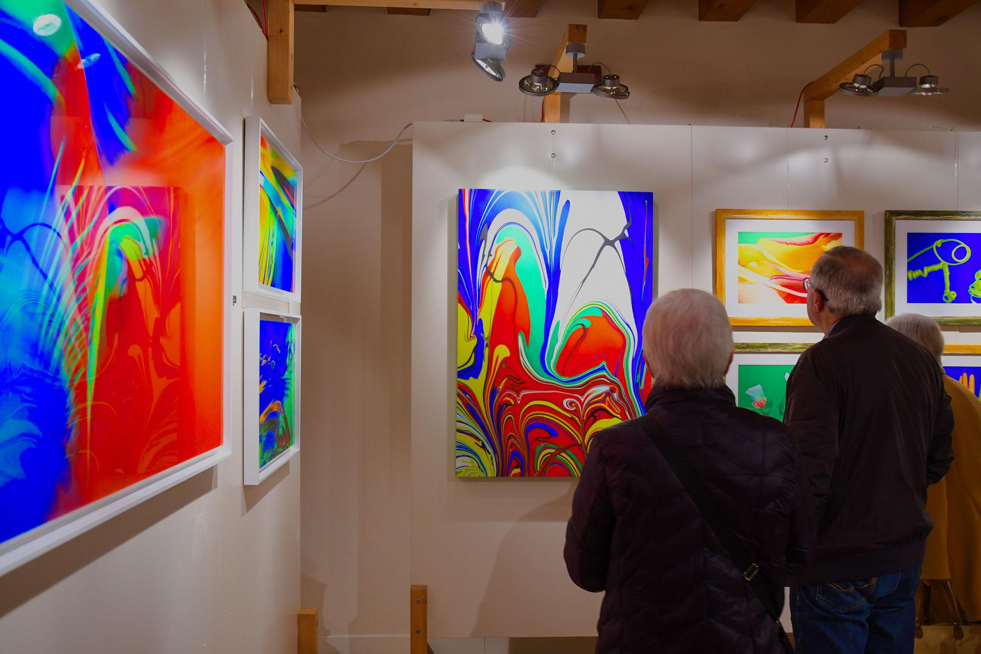 Mostra dei quadri moderni e astratti su tela di Eugenio Tocchet